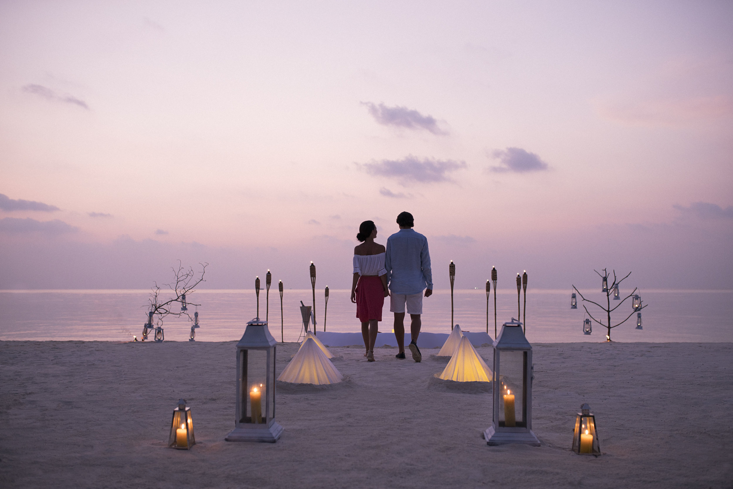 Anantara_Dhigu_Dining_By_Design_Couple.jpg
