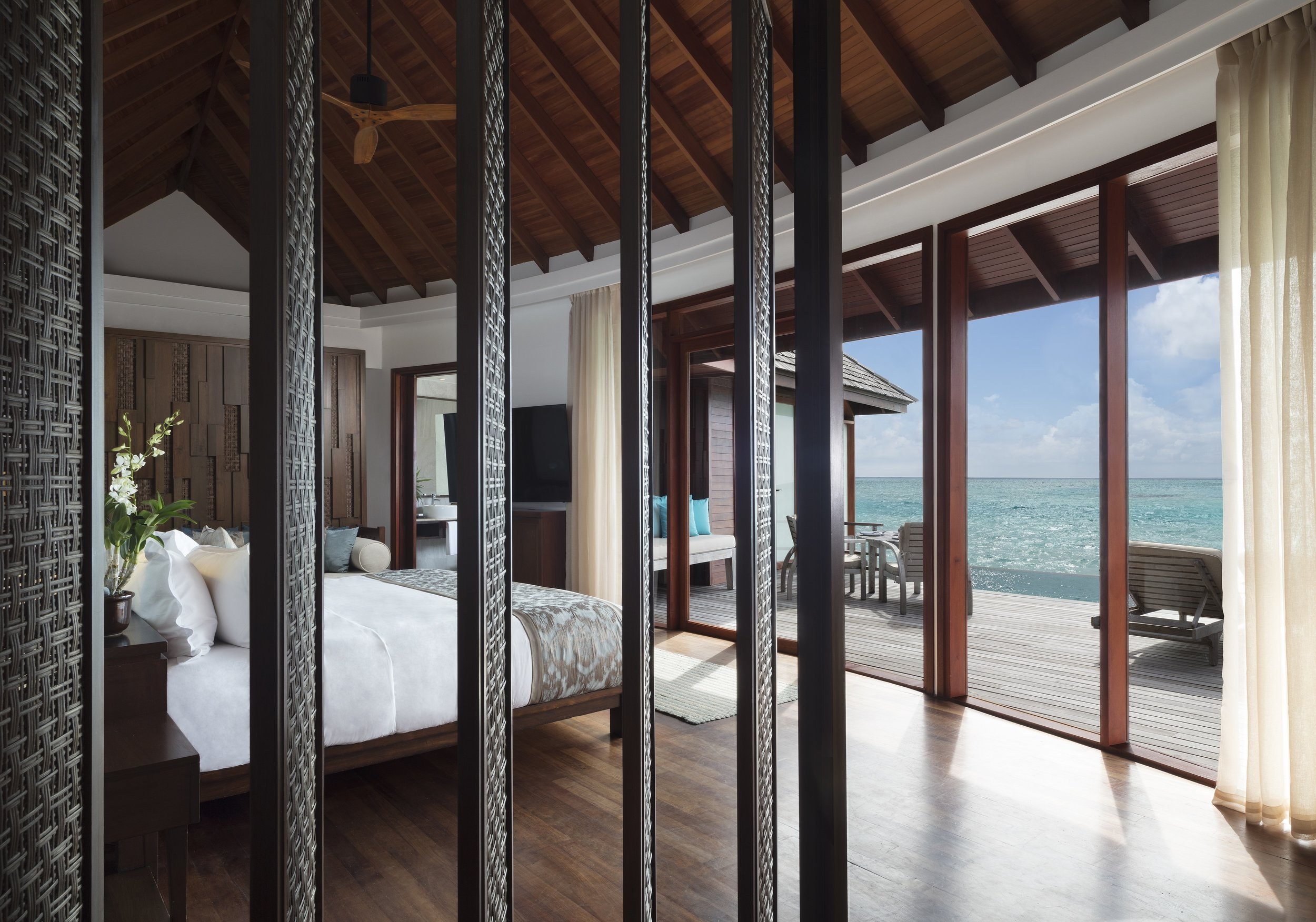 Anantara_Dhigu_Sunset_Overwater_Pool_Suite_Bedroom.jpg