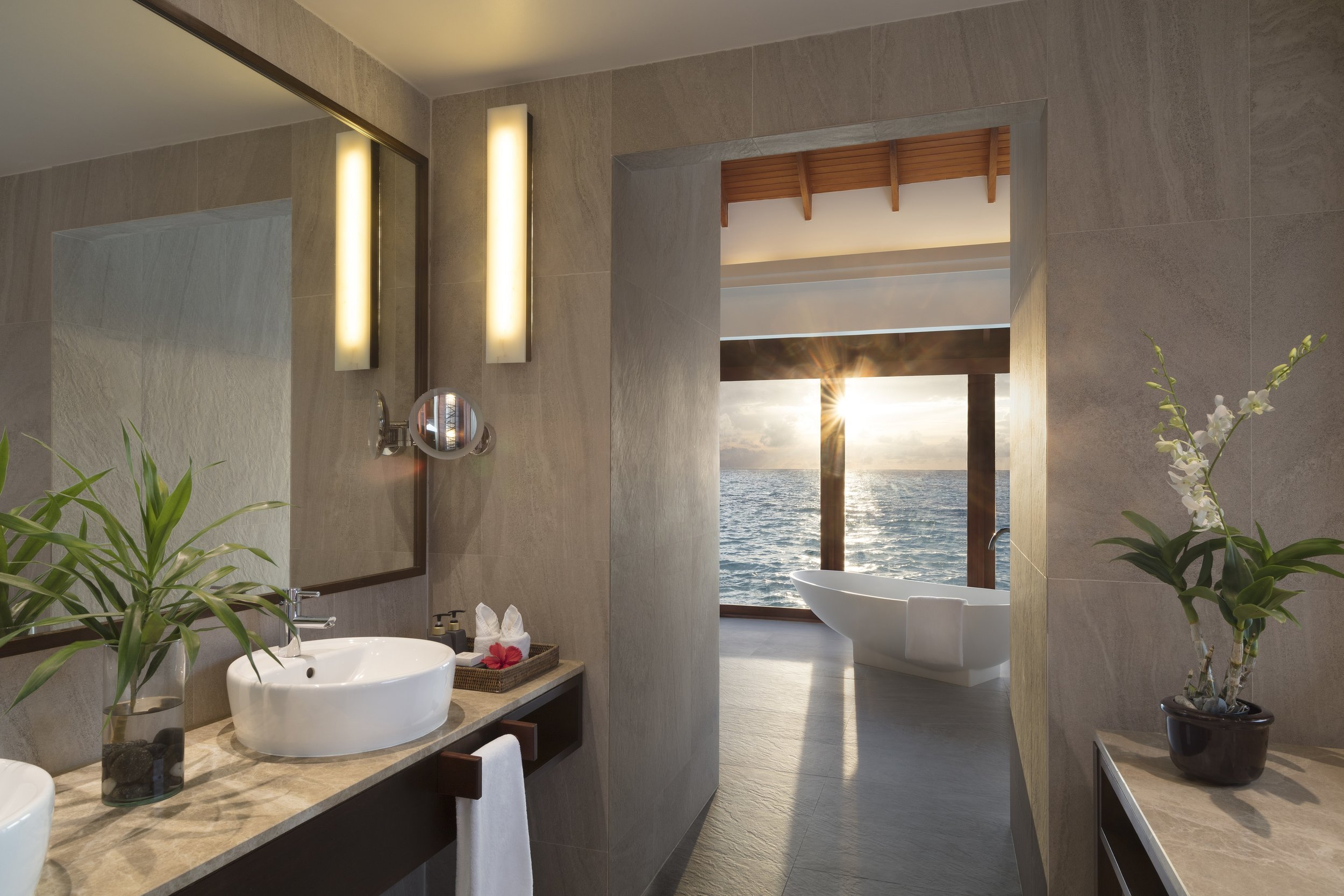 Anantara_Dhigu_Sunset_Overwater_Pool_Suite_Bathroom.jpg