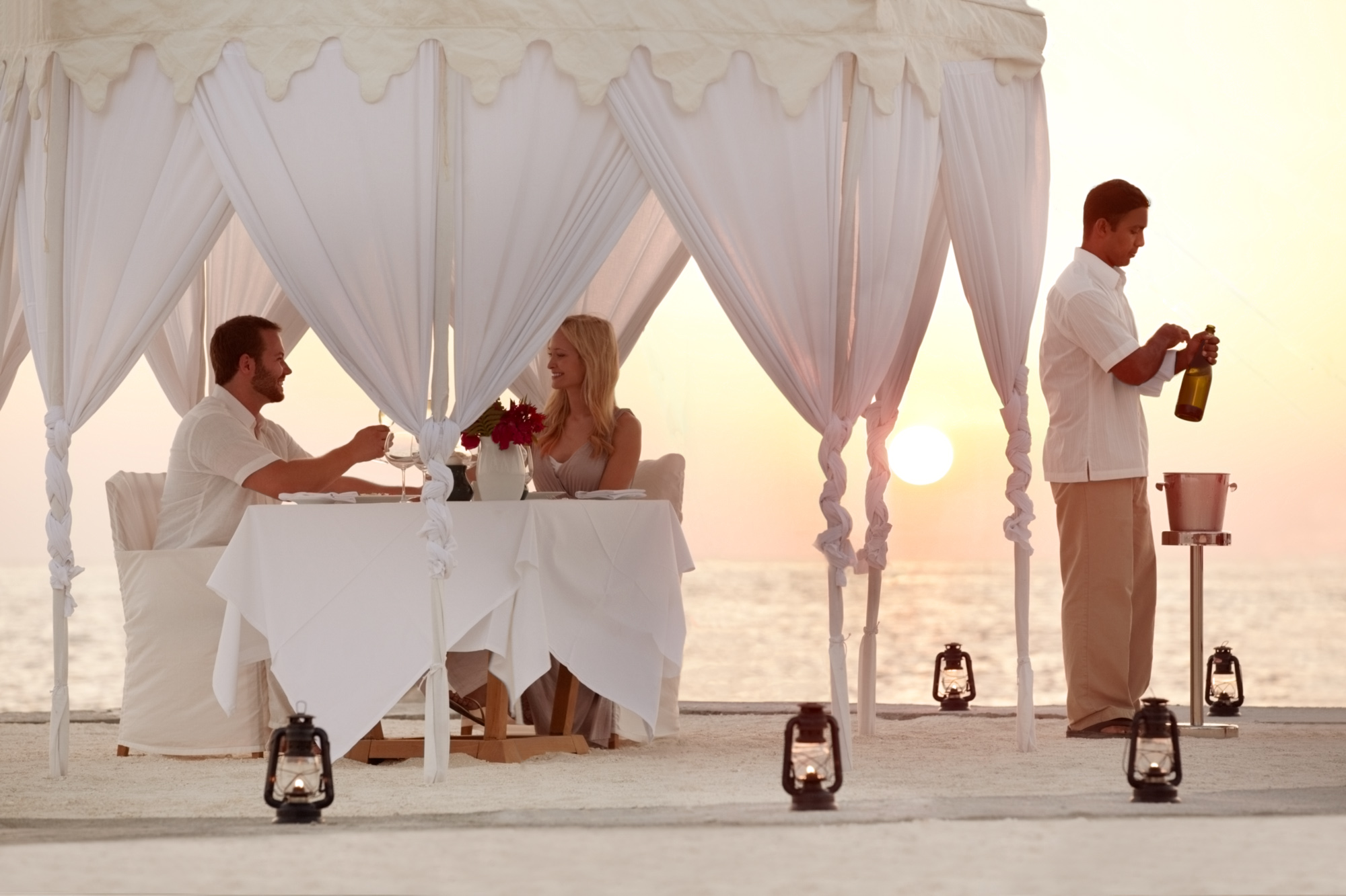 Couples Dining by design.jpg