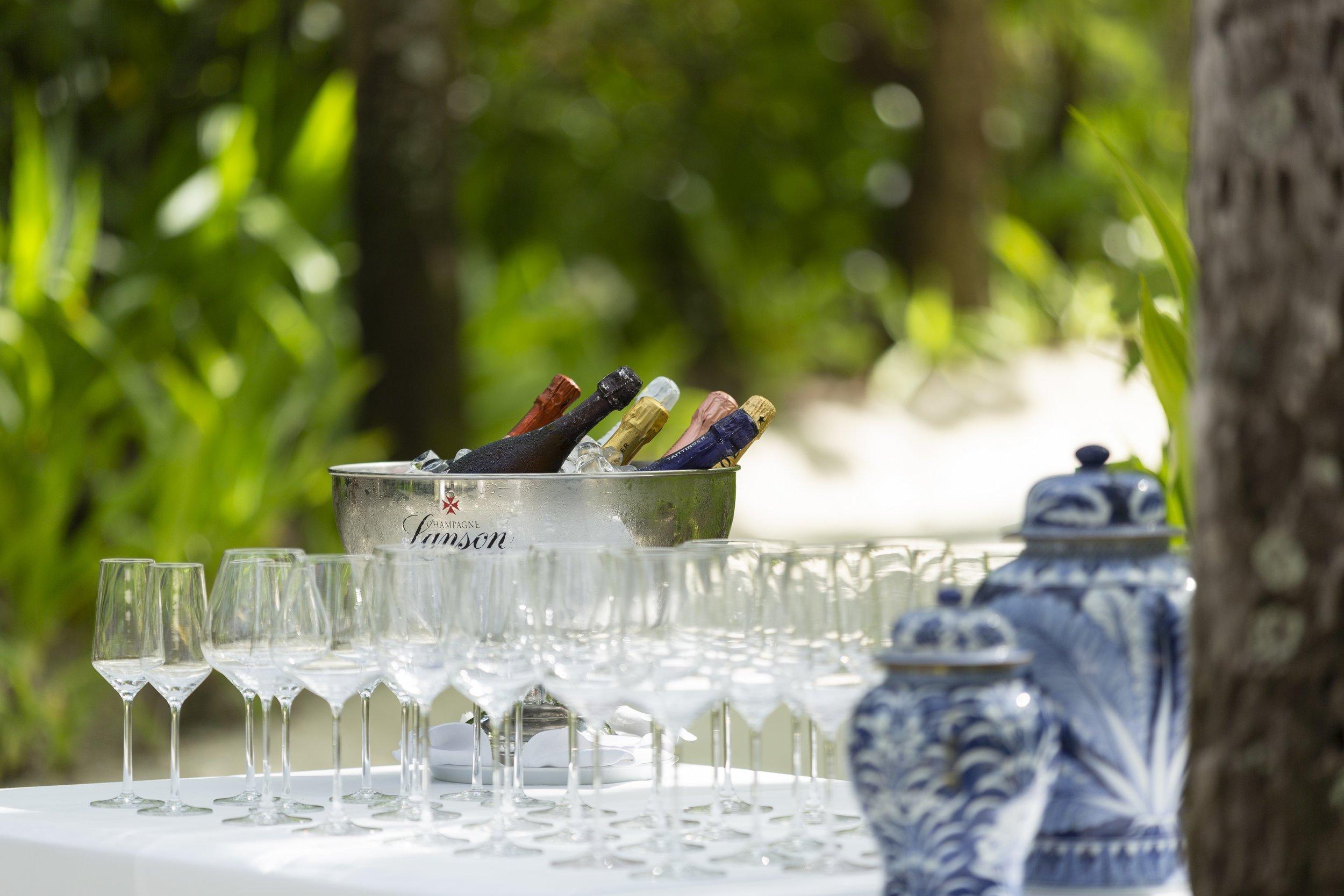 Naladhu_Private_Island_Coconut_Grove_Cocktail_Party_Glasses.jpg
