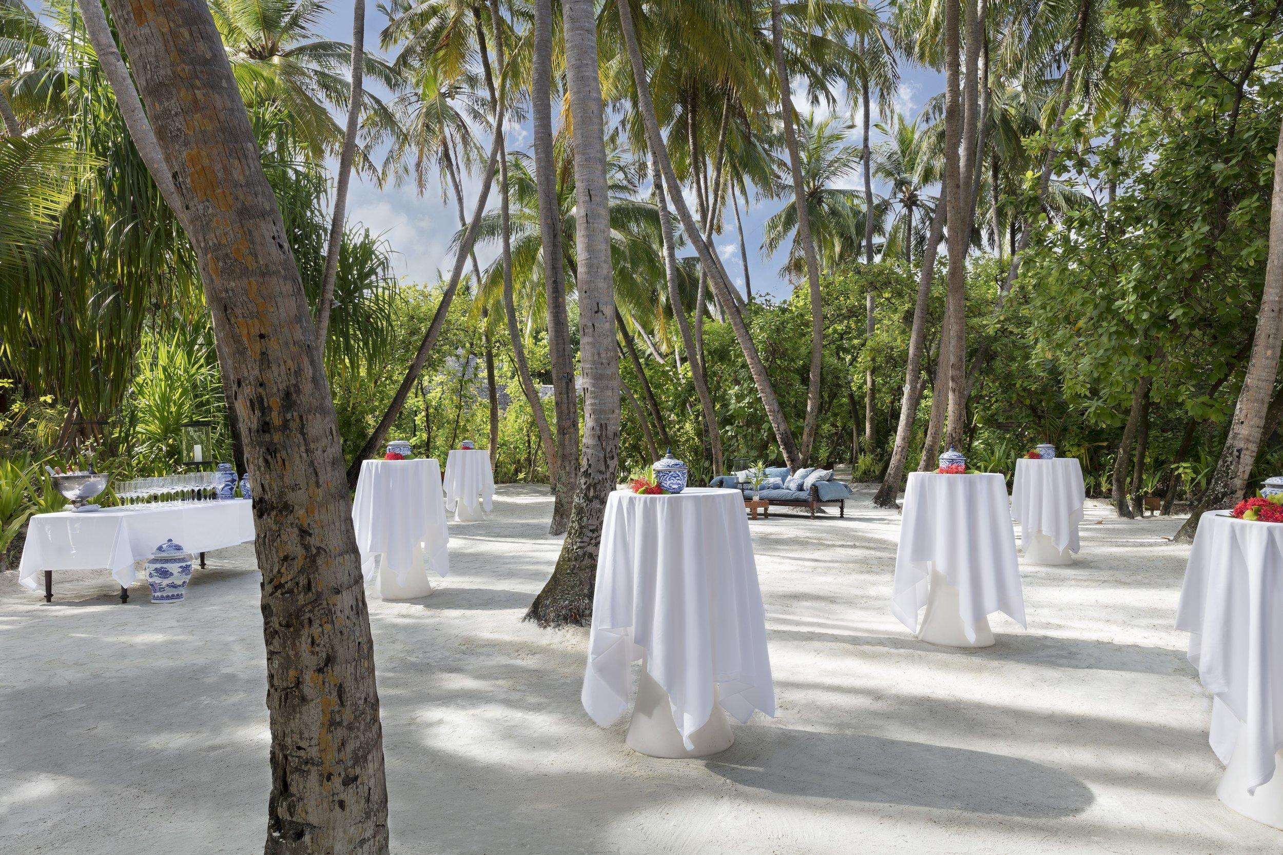 Naladhu_Private_Island_Coconut_Grove_Cocktail_Party.jpg