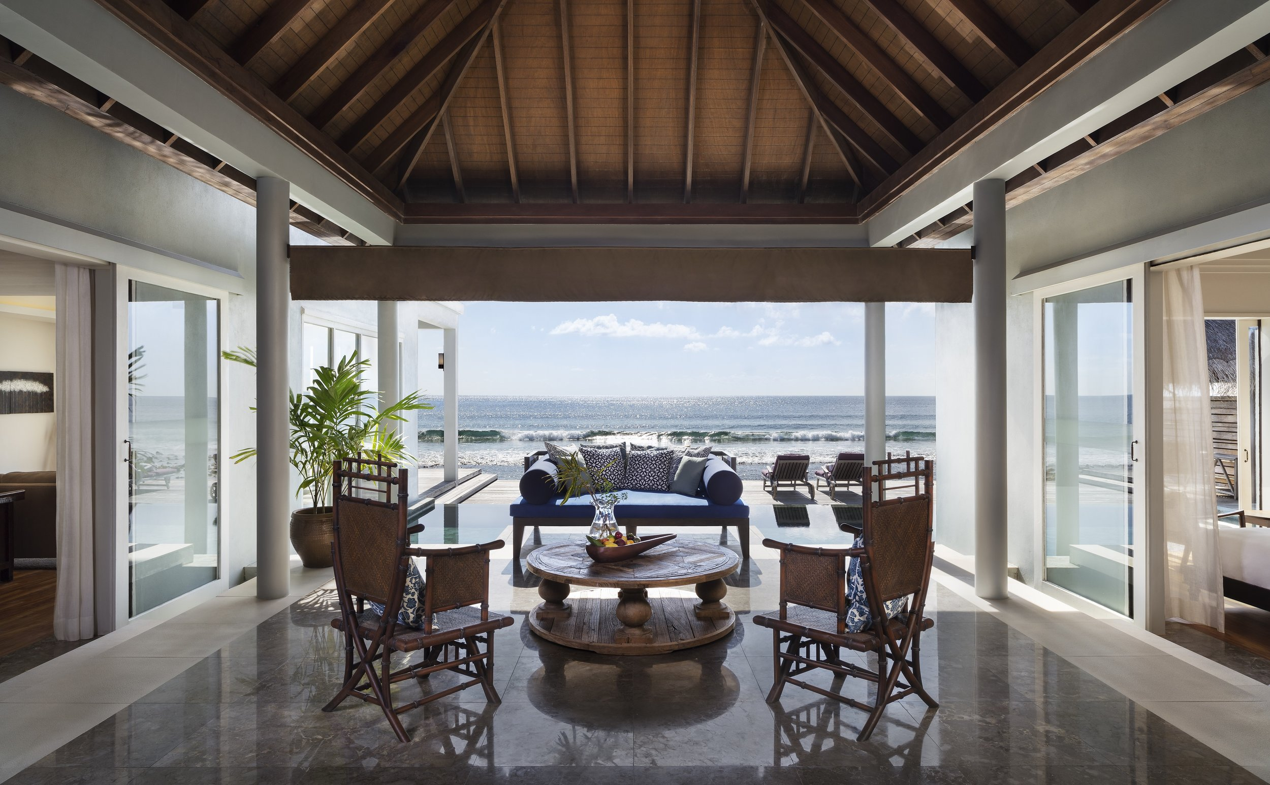 Naladhu_Private_Island_Residence_Entrance.jpg