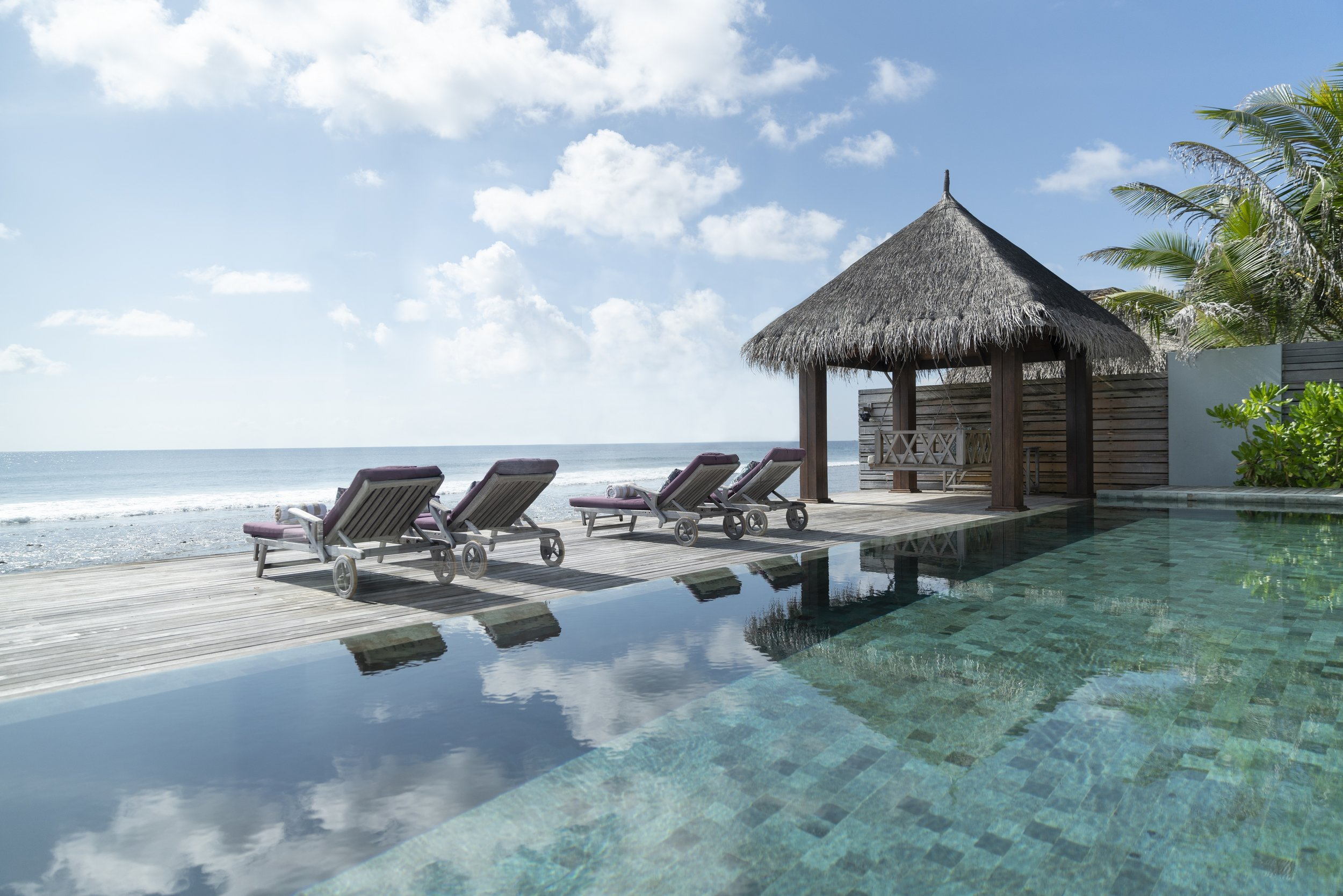 Naladhu_Private_Island_Residence_Pool.jpg