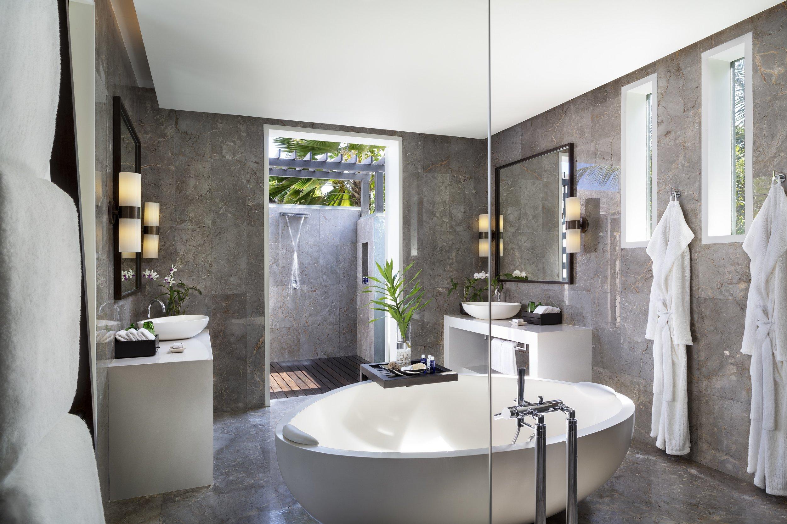 Naladhu_Private_Island_Residence_Twin_Bedroom_Bathroom.jpg