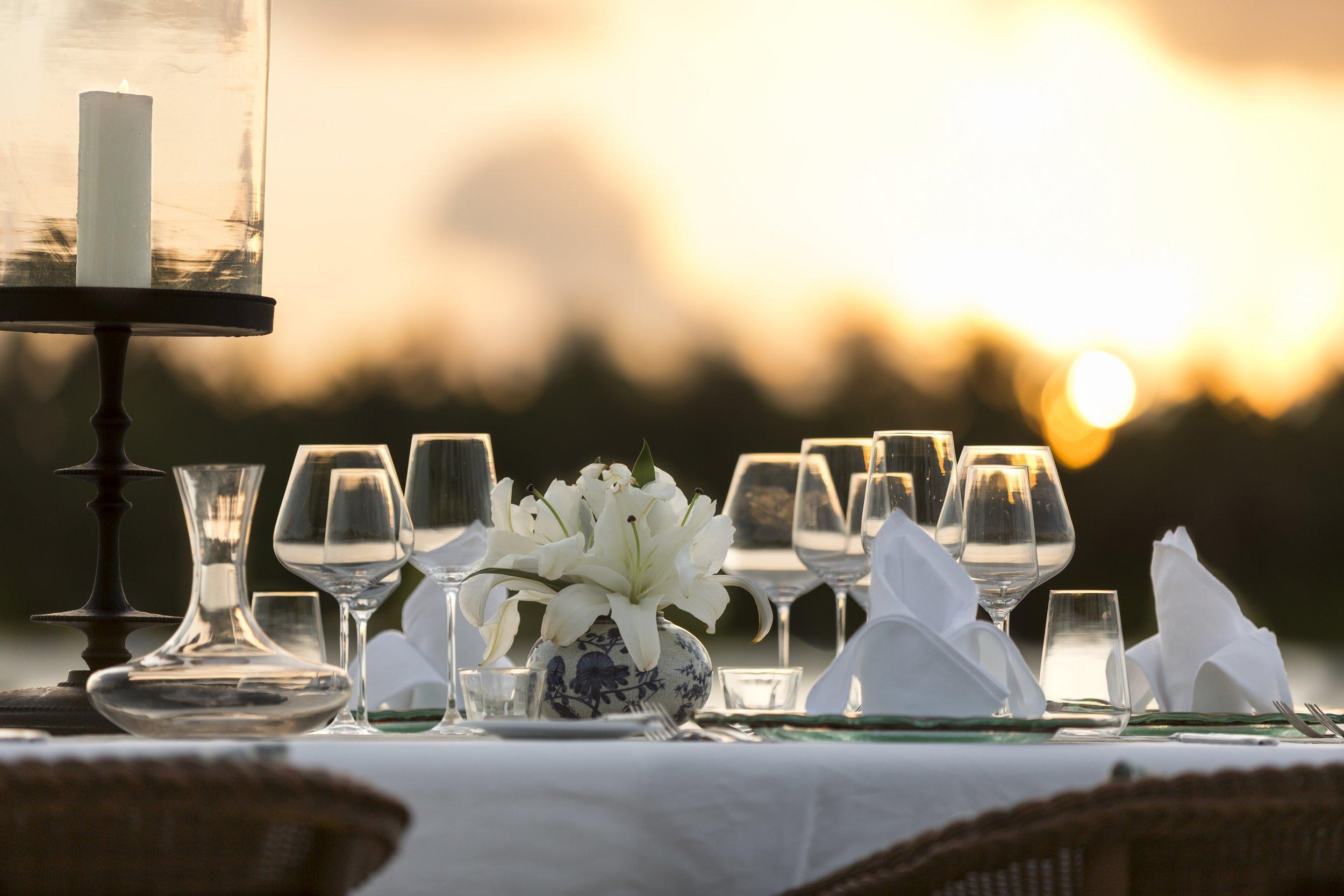 Naladhu_Private_Island_Sunset_Dinner_Detail.jpg