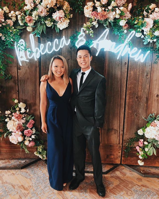 Thanks for h̶a̶v̶i̶n̶g̶ ̶a̶n̶ ̶o̶p̶e̶n̶ ̶b̶a̶r̶ including us in your big day! Congrats to the beautiful newlyweds, and best wishes for a long happy marriage 🥂