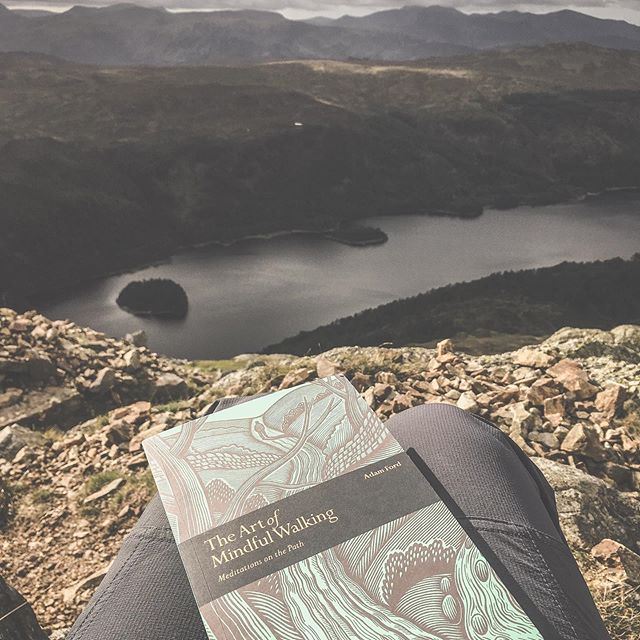 Leapt on a weather window today, like my life depended on it 😁 but oh what a beautiful afternoon. There is nothing that beats the unproductive humdrum of daily life, than a big fat mountain under your feet, with views to die for 🥰 . . . #outdoors #mountaingirl #mindfulness #amreading #booksandmountains #literature #literatureonthemove #lakeslife #outdoorgirl #inspiration