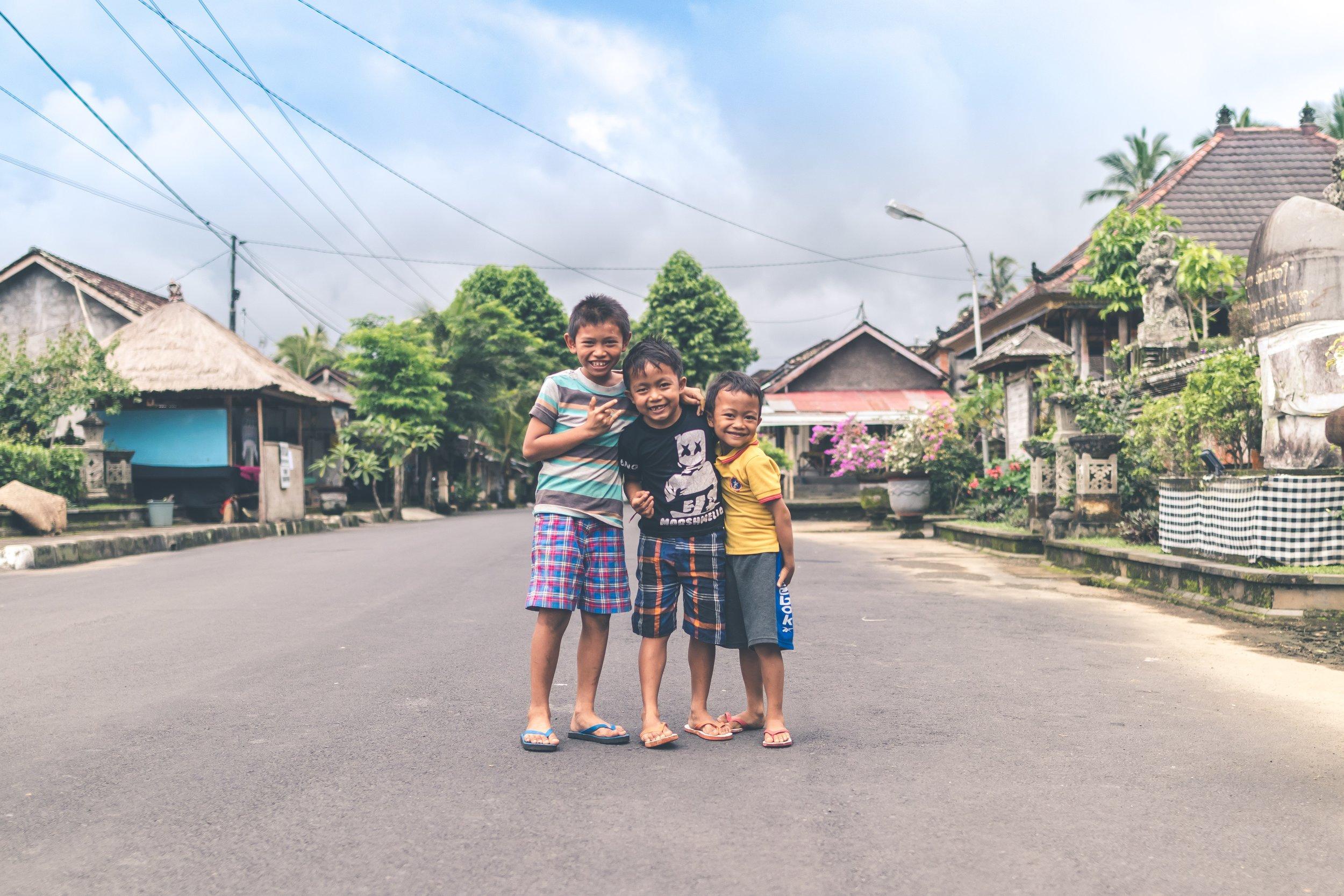 asian-asphalt-boys-947811.jpg