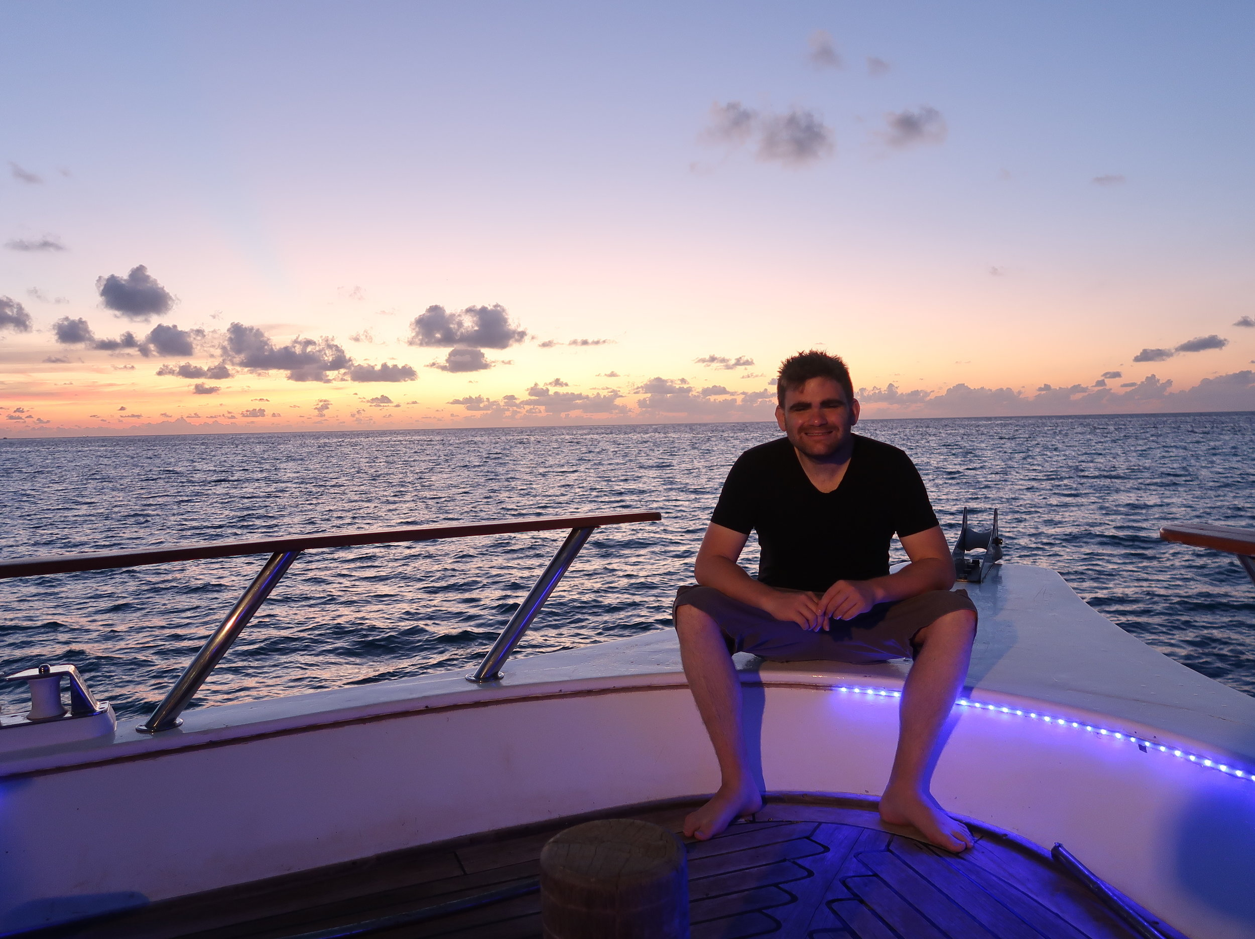 Building online business with 10 entrepreneurs on Ocean Devine in the Maldives