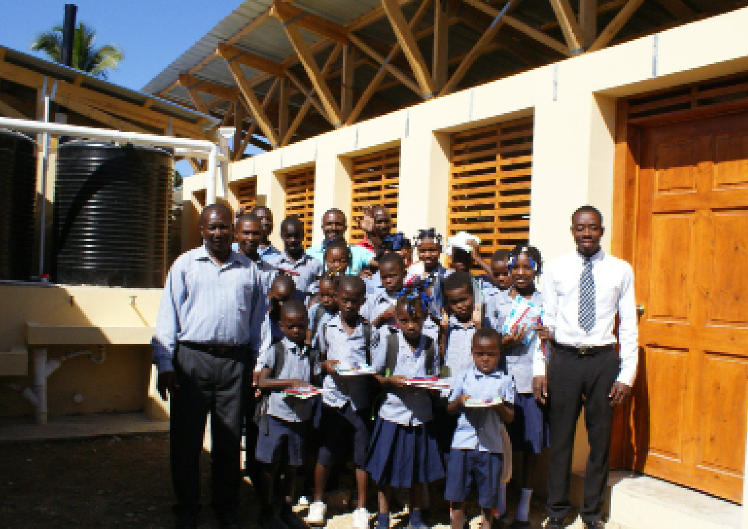 HAITI WATER & SANITATION PROJECTS - HINCHE & MALTE PERALTE / HAITI