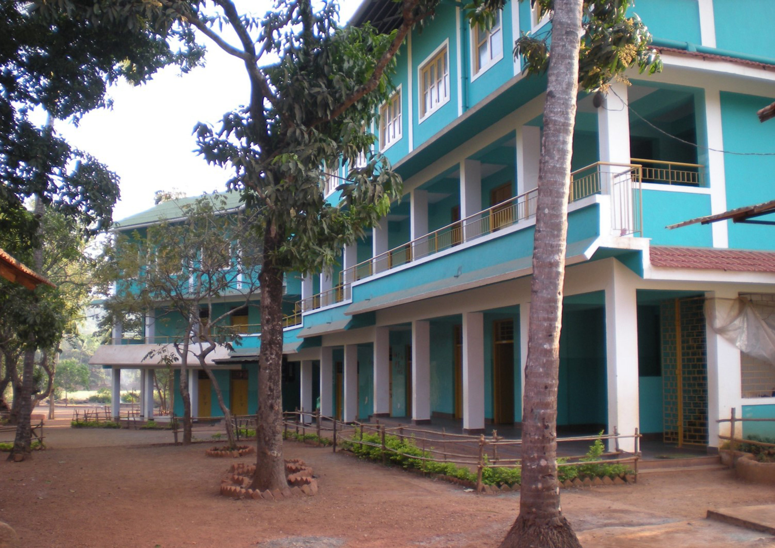 SHANTI NIKETAN SCHOOL FOR STREET CHILDREN - GOA / INDIA