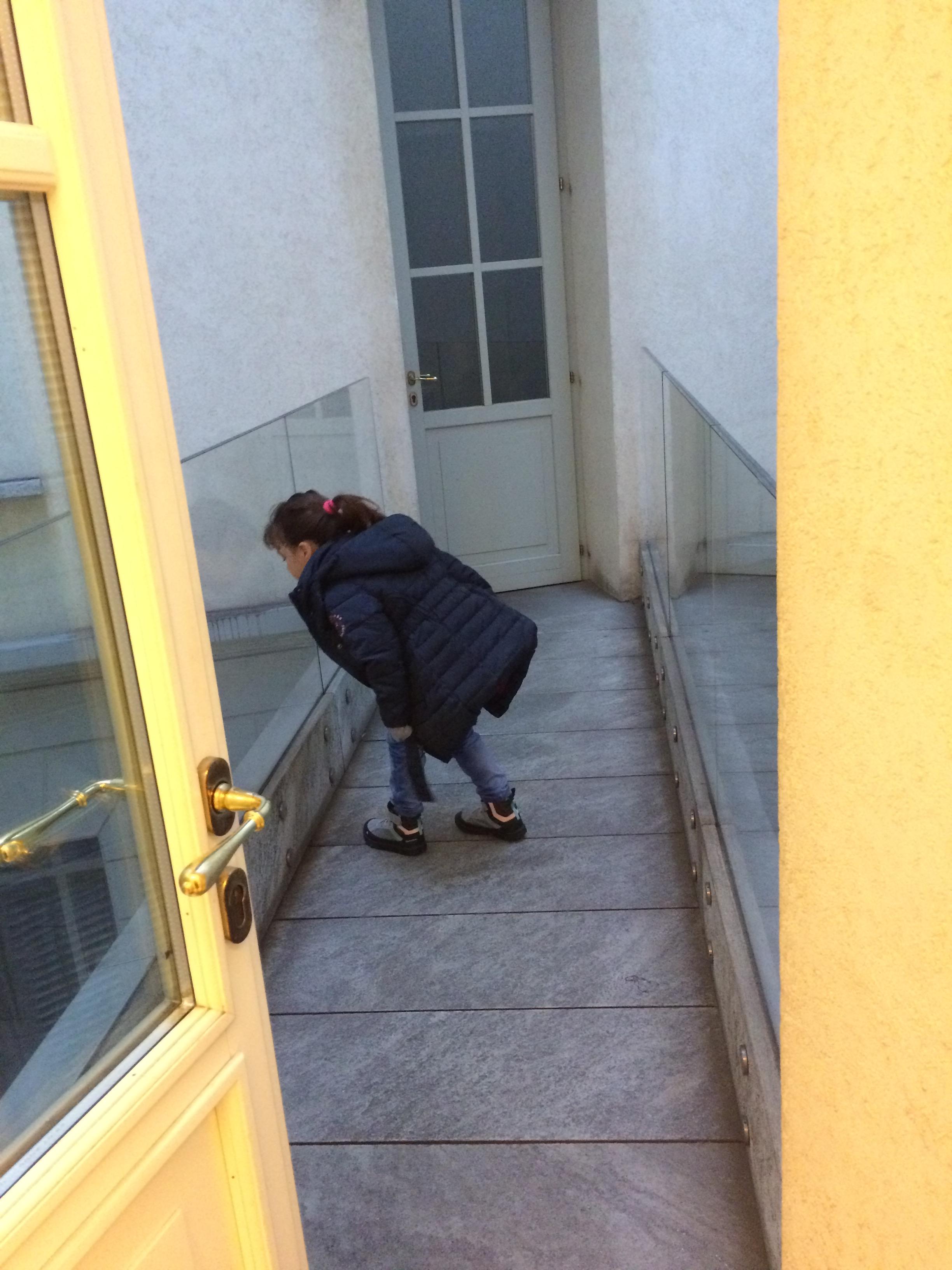 airbnbn-downtownapartment-milan.JPG