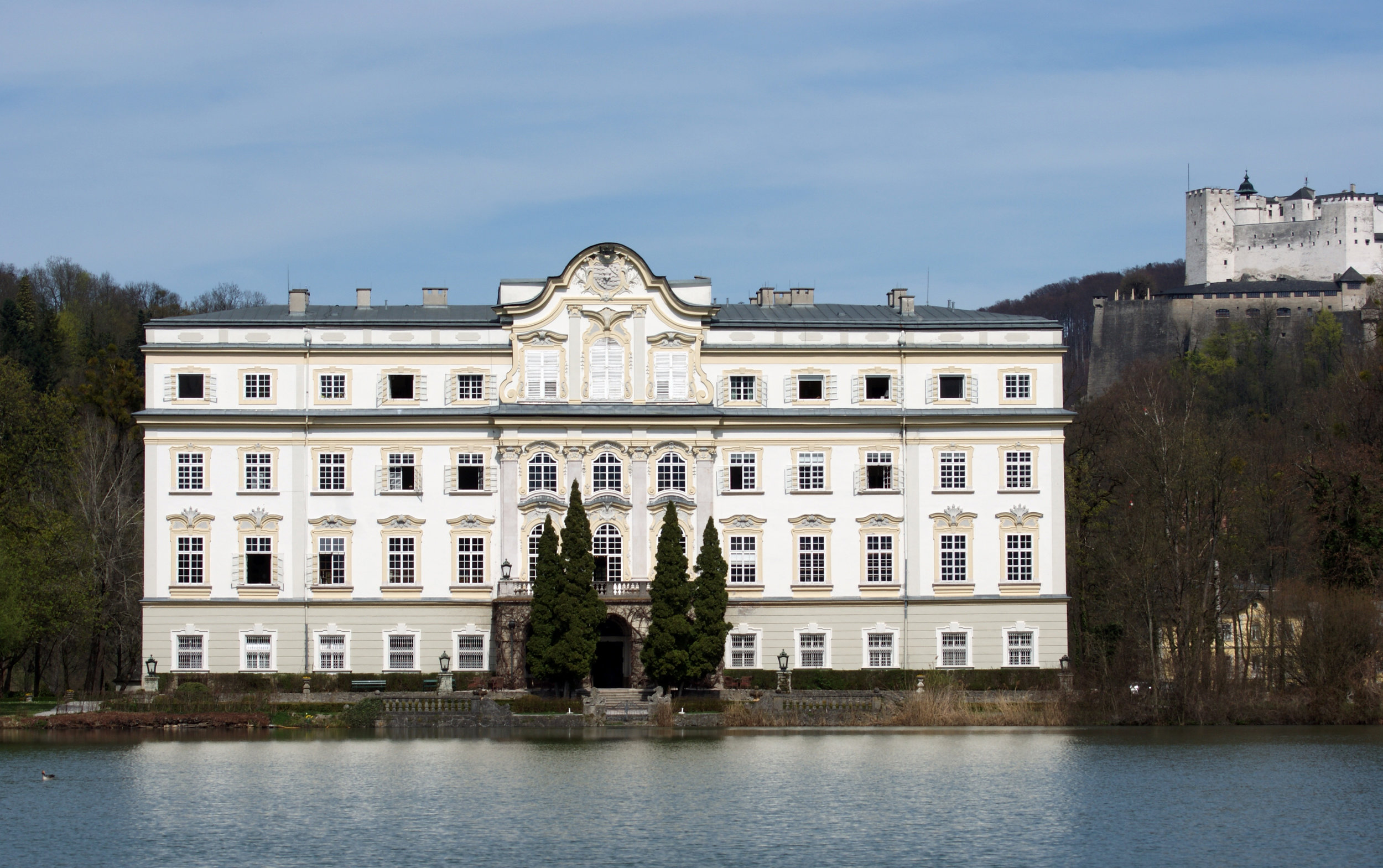 Schloss Leopoldskorn shot by  Simon Bernd Krazner  on  Wikimedia