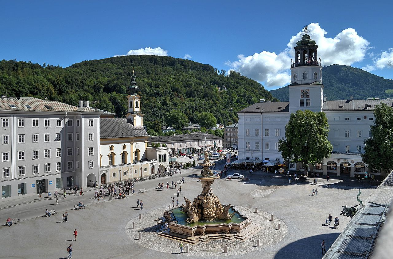 Residenz Square Salzburg, photo from  Wikimedia  taken by  Barbara Marko Bartilla