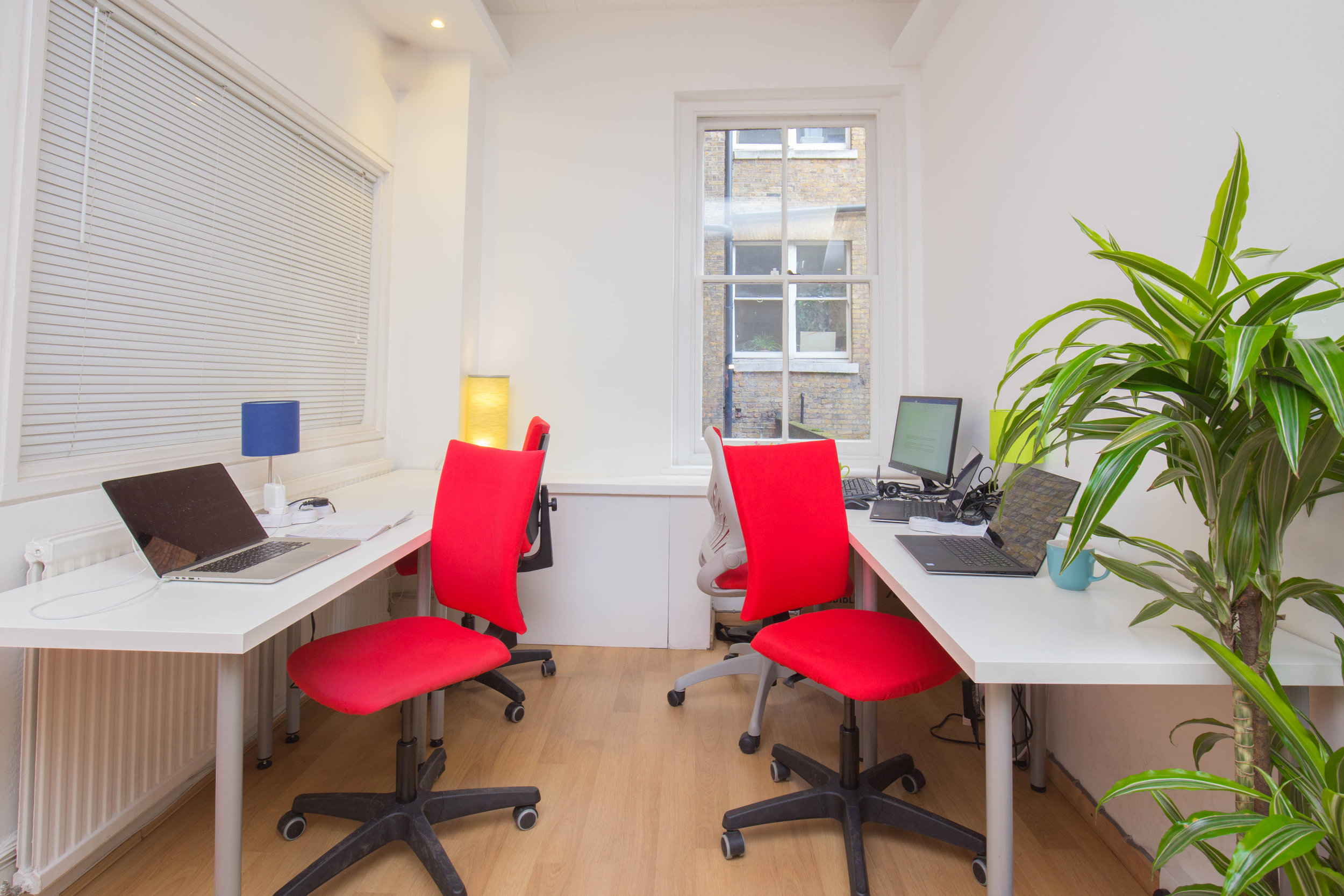 Rentadesk Central Coworking Nook