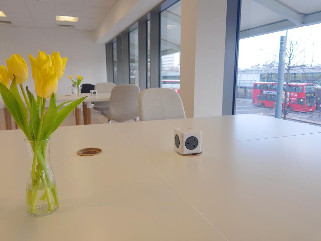 Hot+Desks+at+Rentadesk+West.jpg