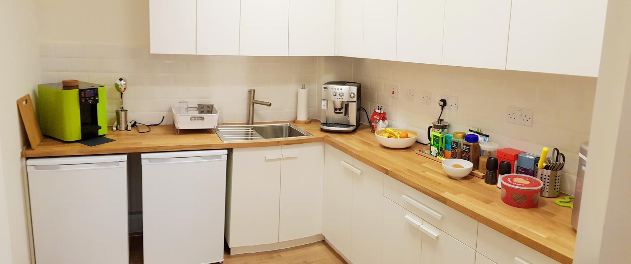 Rentadesk+Shepherds+Bush+co-working+space+-+Kitchen.jpg