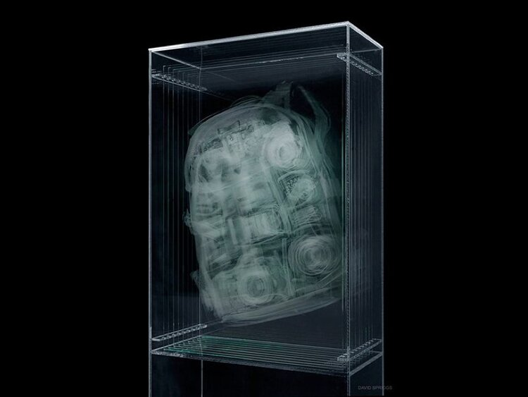 David Spriggs, Transparency Report - Profil C - Camera Bag