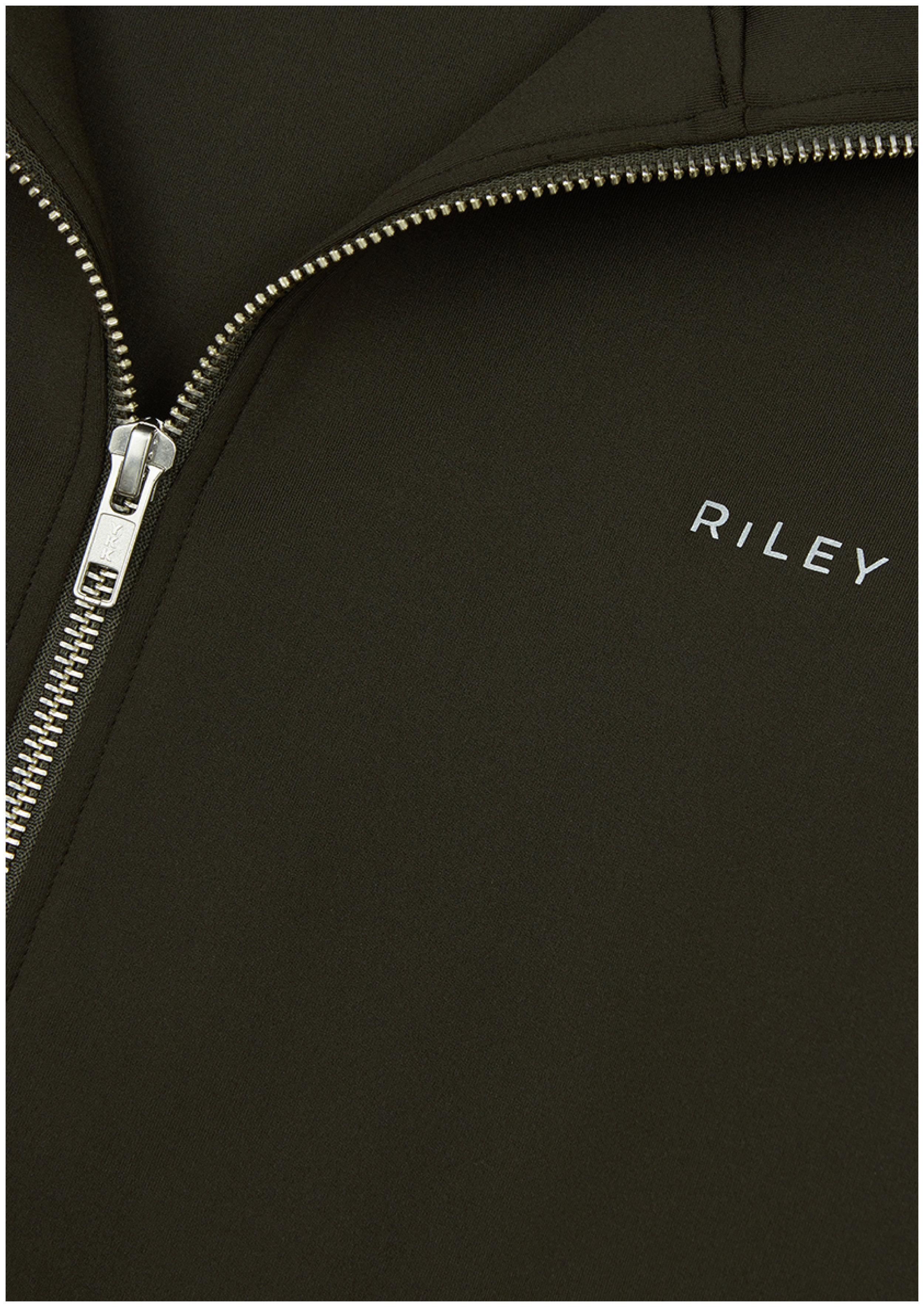 Riley_Brandmark2.jpg