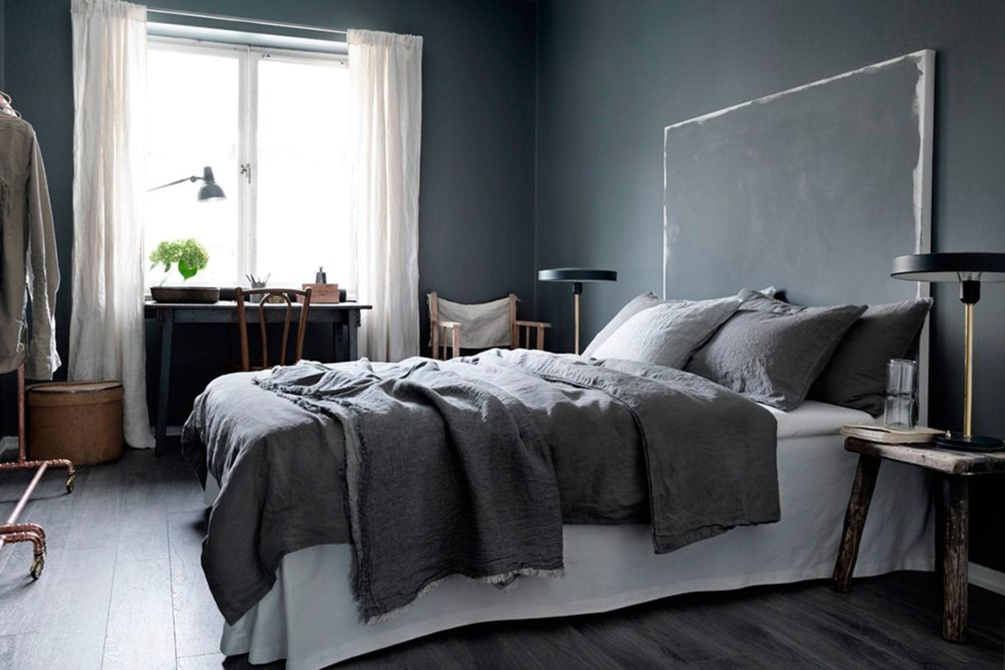 une-tete-de-lit-facon-peinture-abstraite_5194171.jpg