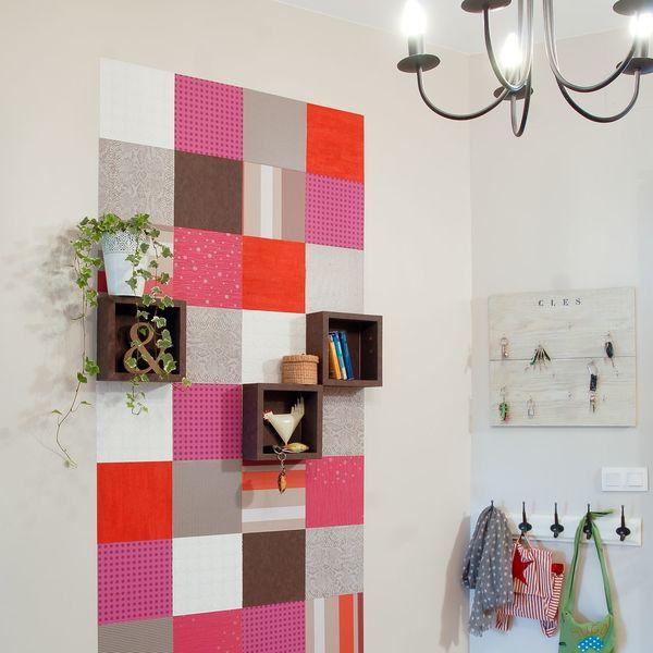 un-mur-en-patchwork-de-papiers-peints-original-et-creatif_4914295.jpg