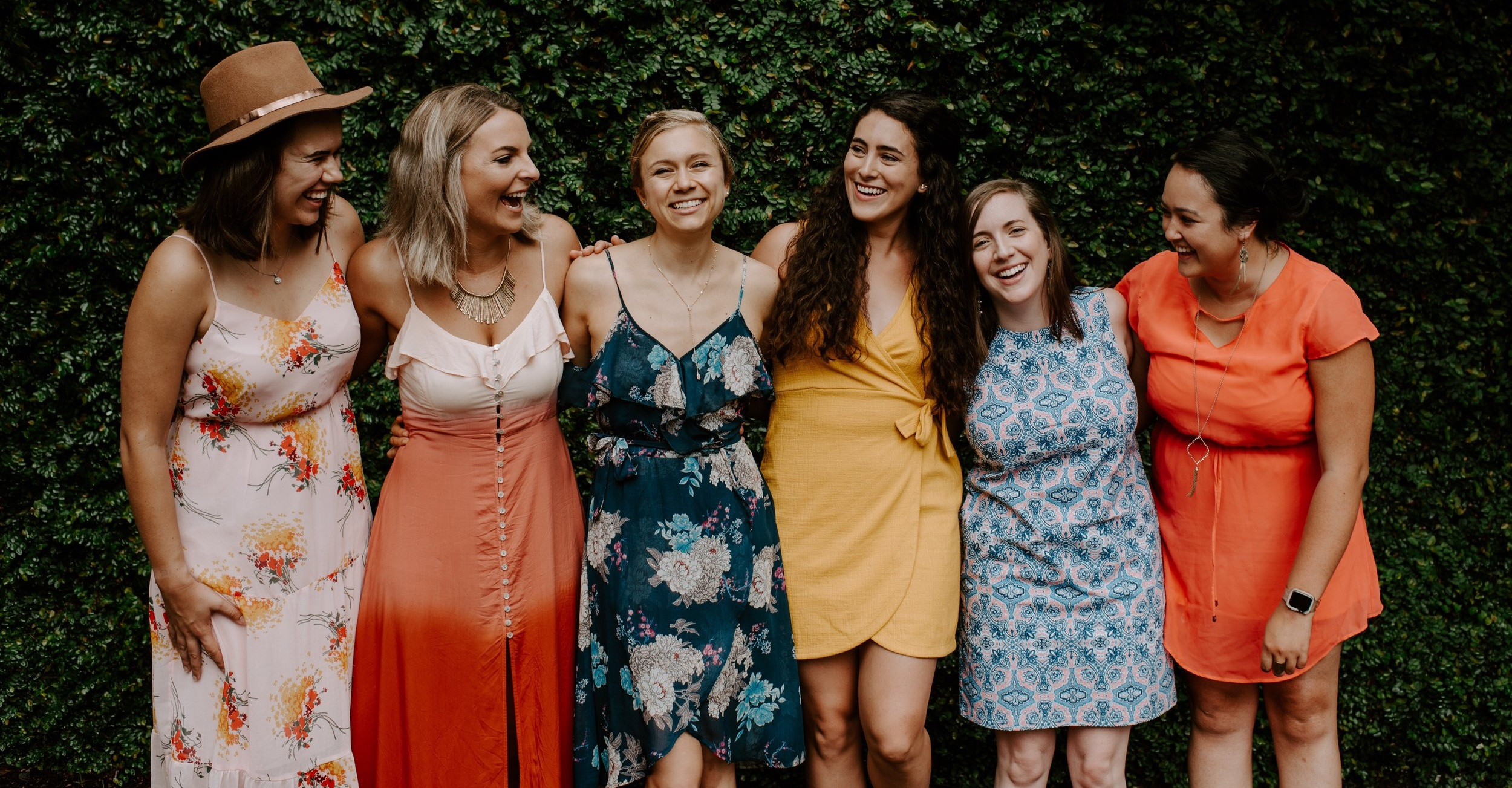 group-of-girlfriends-at-a-garden-party_t20_6lvVdL.jpg