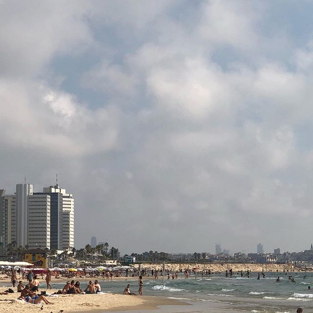 The beach in Tel Aviv. Mesmerizing and hypnotic. Plus warm Med Sea. Ain't bad. Israel has some incredibly talented people here. Align.  #alignboulder #coworking #community #startuplife #entrepreneur #makers #boulder
