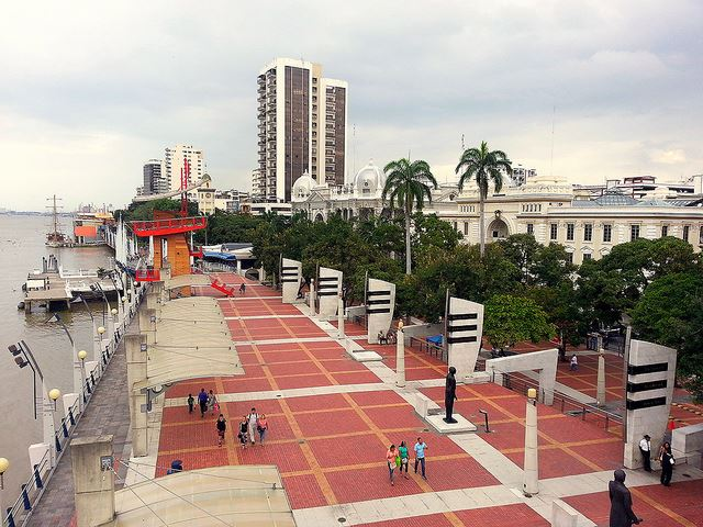 Posicionar la ciudad como referente en smart cities - A través de la colaboración con laboratorios de punta, el distrito será hogar para la aplicación urbana de tecnologías de punta como IoT, Big Data, UX, entre otras. Estos laboratorios base para las industrias 4.0 junto a la Muy Ilustre Municipalidad y las empresas innovadoras, permitirán aportar las mejores soluciones para el crecimiento de Guayaquil y la incorporación de ciudadanos digitales a la fuerza laboral.