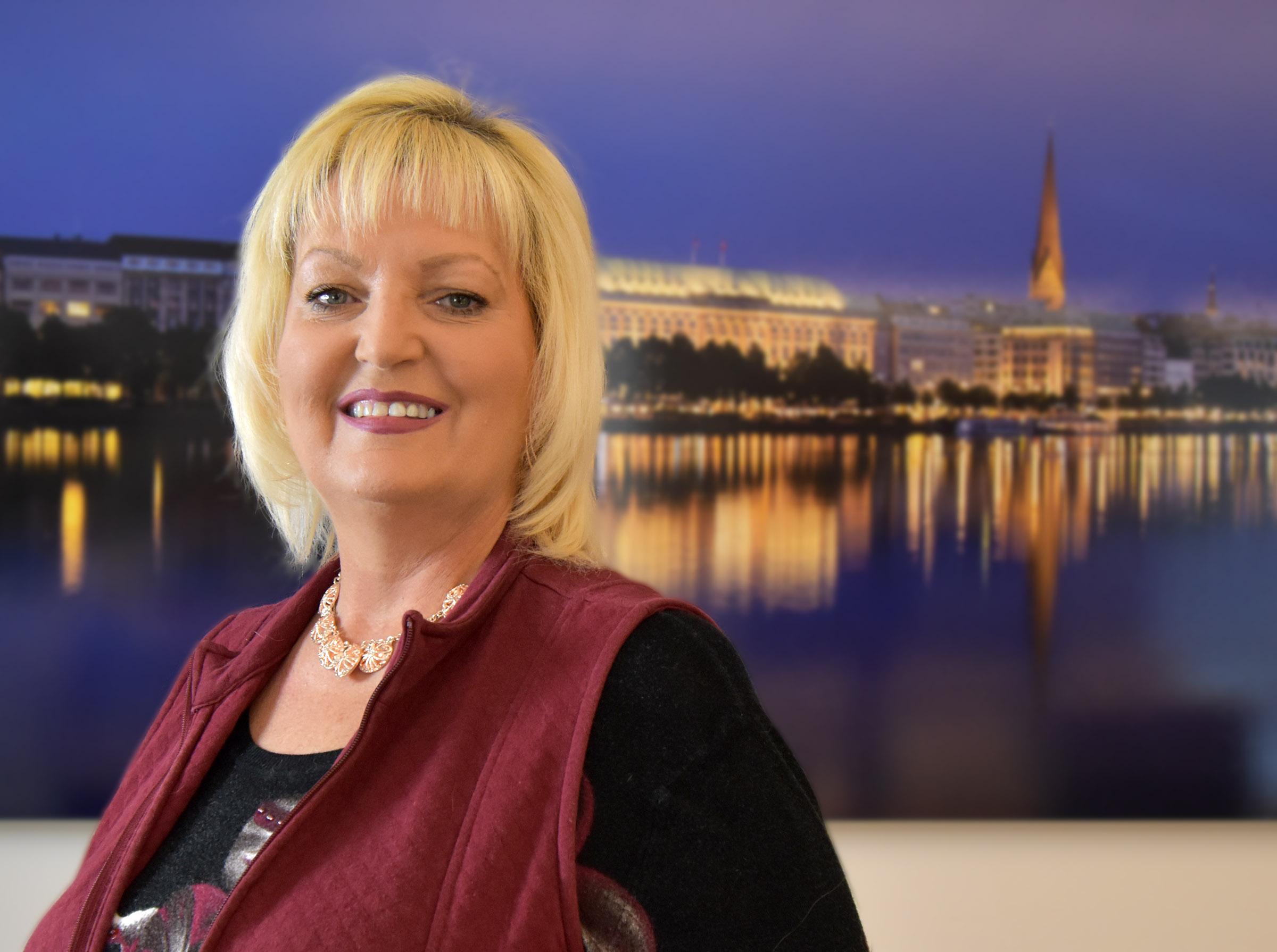 Wanda Lindley-Berchelich - Assistant