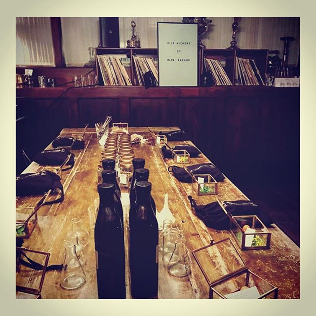 Thankyou @electrich0use , @sohohouse Nottinghill for hosting our Wild Alchemy 'Revive & Restore' workshop with @mamaxanadu . Members learnt about the restorative powers of nature and enjoyed remedy making with detoxifying and immune-boosting tonics, flower essences & elixirs.  #mouchelondon #mamaxanadu  #wildalchemy  #workshops #masterclass #flavourexploration #tasteexploration #foraging #botany #herbalism #mixology #londonevents #londonworkshops #tincturemaking #tonicbar #botanicaldrinks #elixirmaking #tincturemaking #apothecary #powerofplants #plantmagic #botanical #mothernature