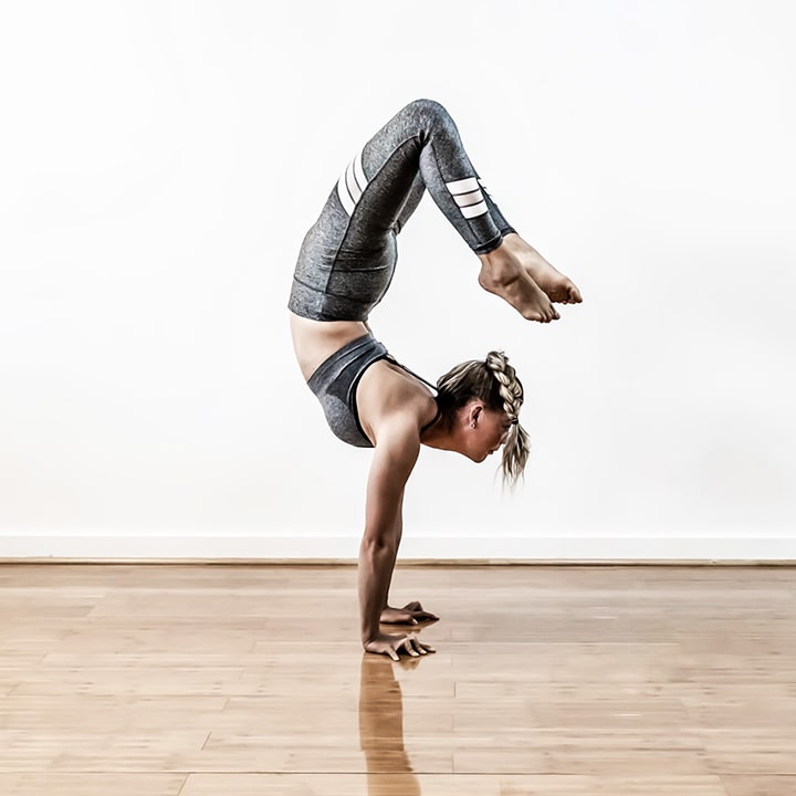powerandposture.com_arm balance_handstand_yoga_melbourne_Lotta_1-min.jpg