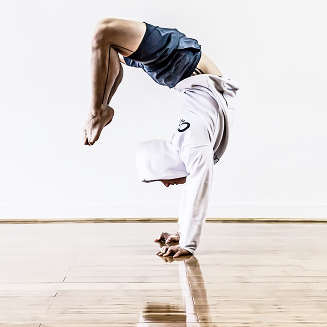 powerandposture.com_app_arm balance_handstand_copyrighted 2019_8.png