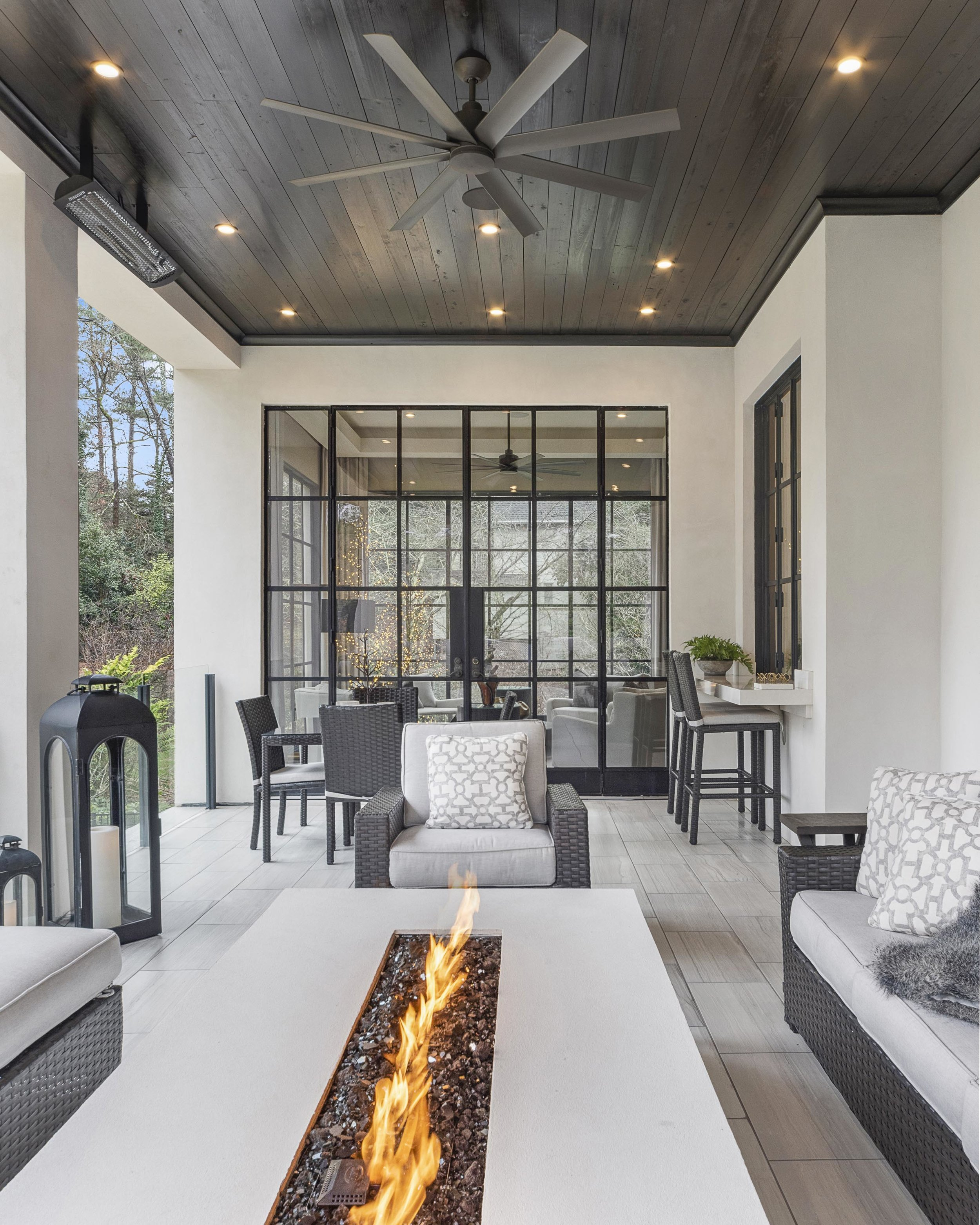 Habersham_outdoor room with fire feature.jpg