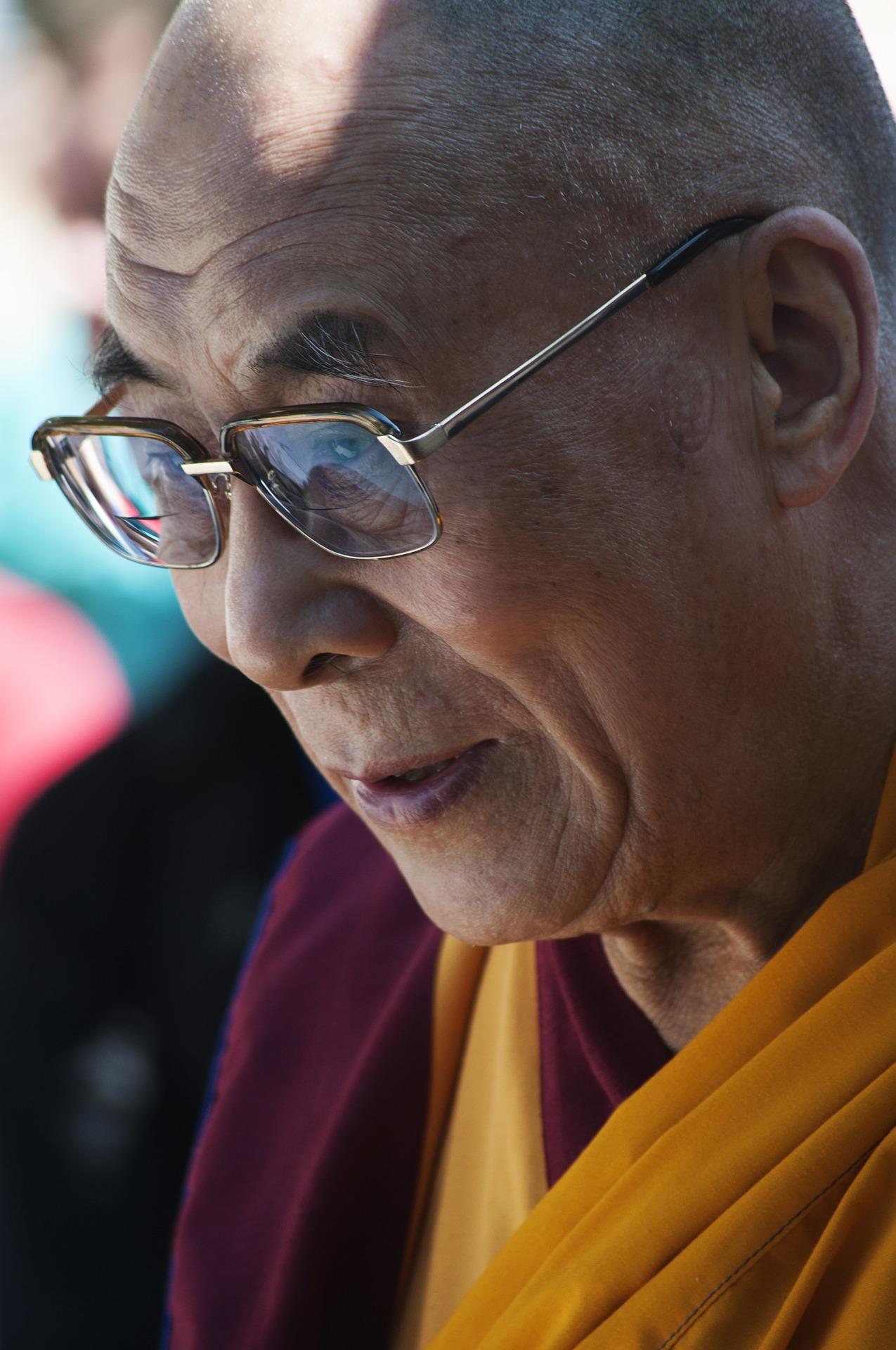 dalai-lama-2244829_1920.jpg