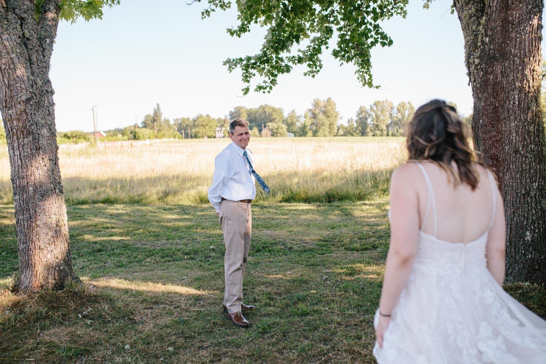 summer+oregon+wedding+openfield+farm-9.jpg