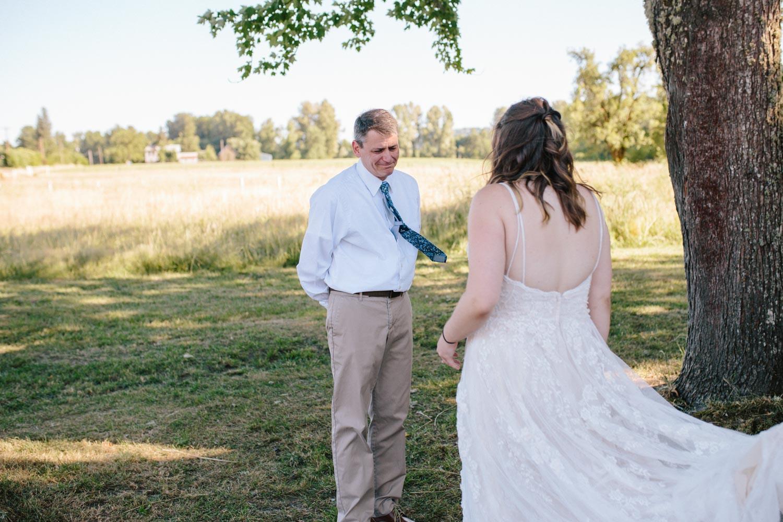 summer+oregon+wedding+openfield+farm-10.jpg