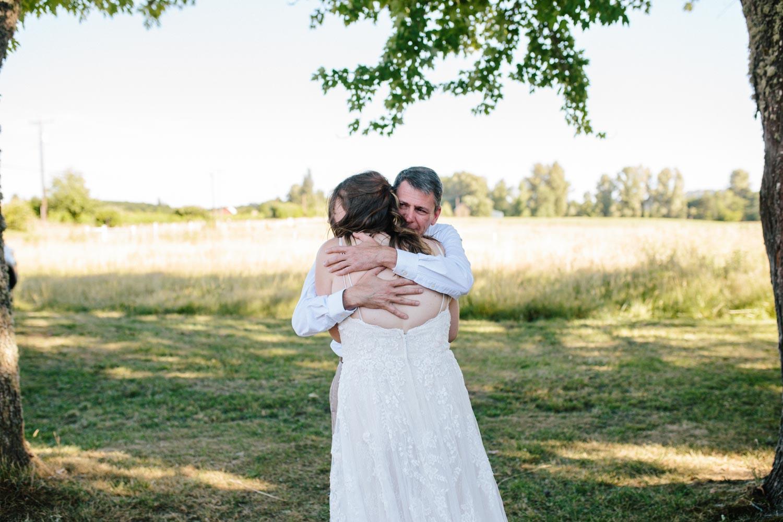 summer+oregon+wedding+openfield+farm-11.jpg