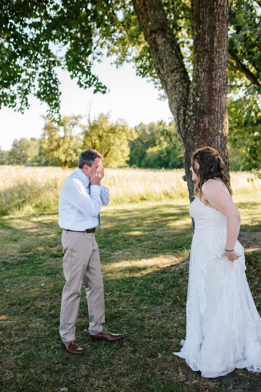 summer+oregon+wedding+openfield+farm-12.jpg
