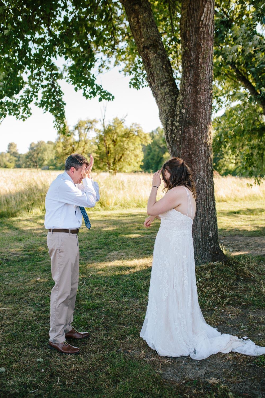 summer+oregon+wedding+openfield+farm-13.jpg