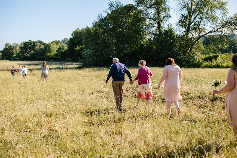 summer+oregon+wedding+openfield+farm-15.jpg