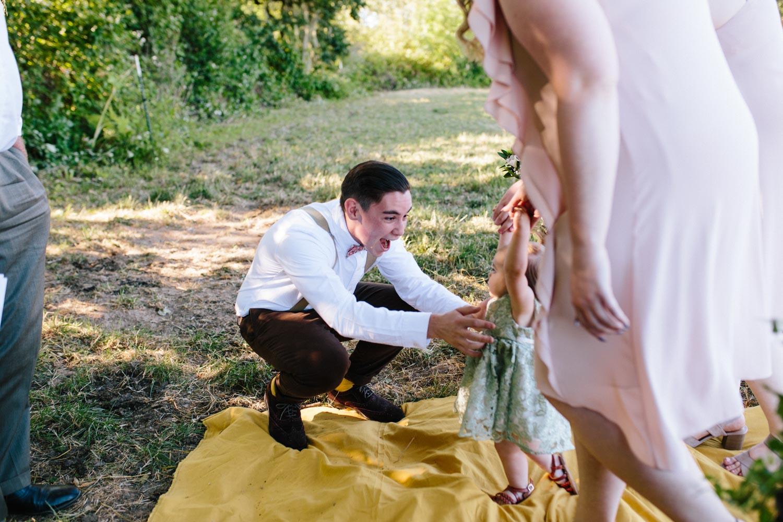 summer+oregon+wedding+openfield+farm-18.jpg