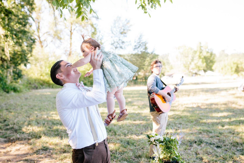 summer+oregon+wedding+openfield+farm-20.jpg