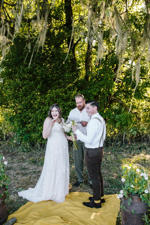 summer+oregon+wedding+openfield+farm-39.jpg