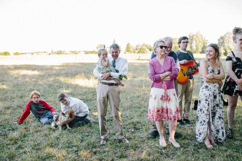 summer+oregon+wedding+openfield+farm-42.jpg