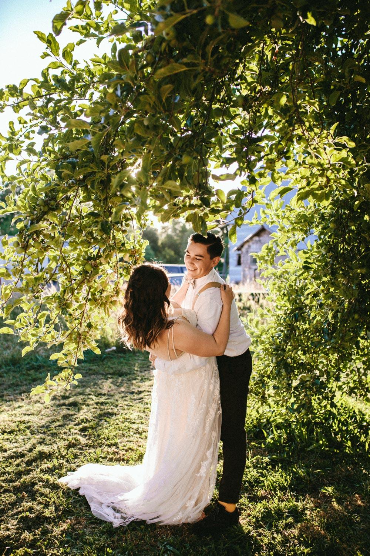 summer+oregon+wedding+openfield+farm-70.jpg