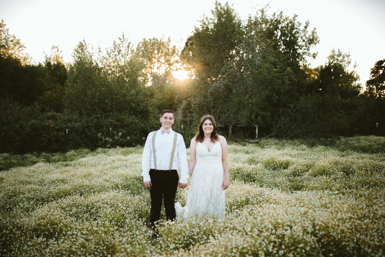 summer+oregon+wedding+openfield+farm-91.jpg