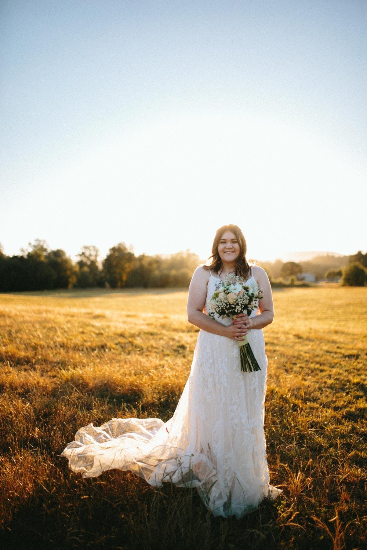 summer+oregon+wedding+openfield+farm-94.jpg