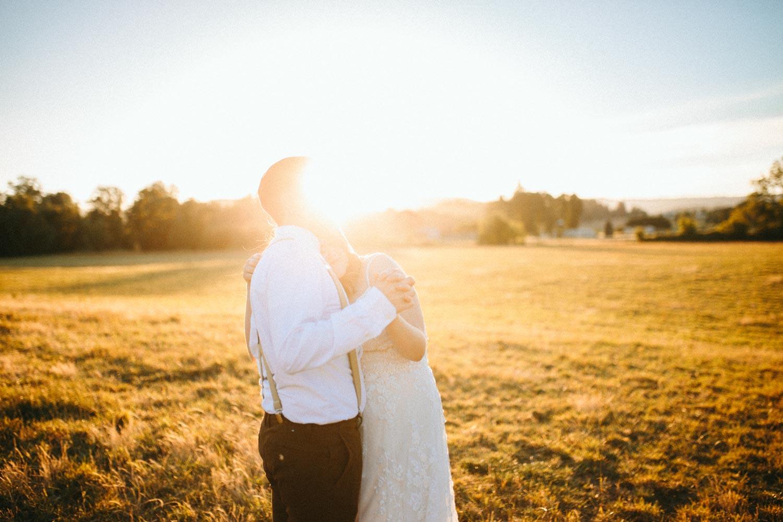 summer+oregon+wedding+openfield+farm-131.jpg