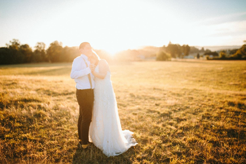 summer+oregon+wedding+openfield+farm-134.jpg